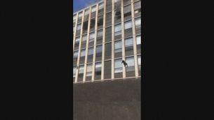 Un gat salta d'un cinquè pis en un incendi a Chicago