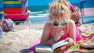 16 lectures d'estiu familiars per gaudir durant les vacances
