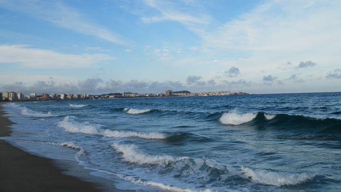 Protecció Civil prohibeix el bany en quatre platges de les comarques de Tarragona per temporal