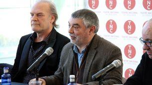 El director del TNC, Xavier Albertí, amb Lluís Homar (ACN)