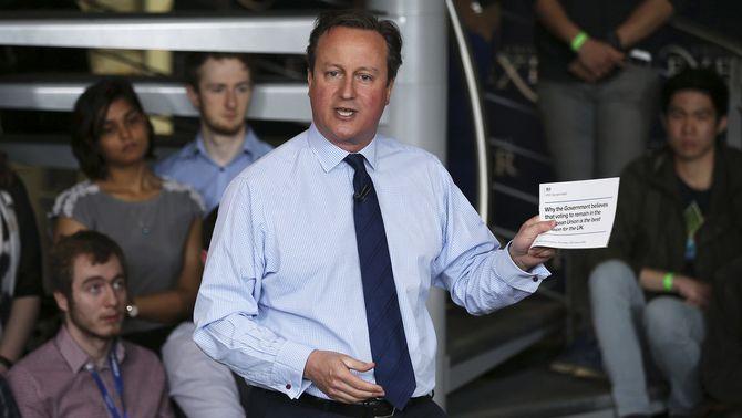 """Cameron admet que va tenir accions en un fons d'inversió """"offshore"""" a les Bahames"""