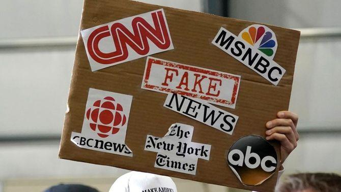 """Combatre les """"fake news"""": Xnet vol que es penalitzin governs o partits que en difonguin"""