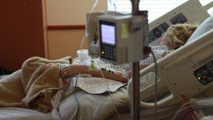 Una pacient es recupera a l'hospital.