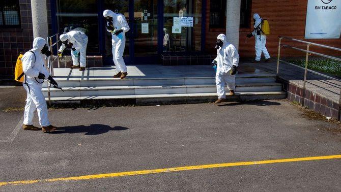 Baixa el ritme de contagis a Espanya, tot i que ja n'hi ha més que a la Xina