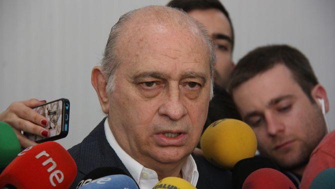 """Fernández Díaz nega haver ordenat seguir Forcadell: """"Qui acusi a la policia, que ho provi"""""""
