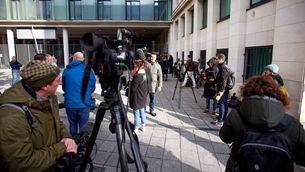 Carles Puigdemont i els quatre consellers s'entreguen a la policia belga