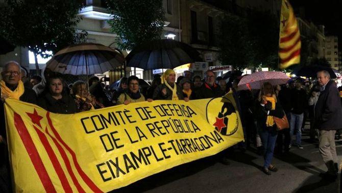 Els CDR es manifesten per reclamar la república catalana un any després de la DUI