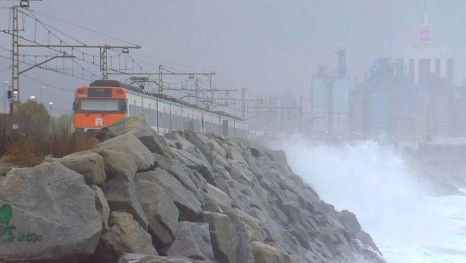 El tren ha de passar per la costa? Proposen reactivar el trasllat de l'R1 del Maresme
