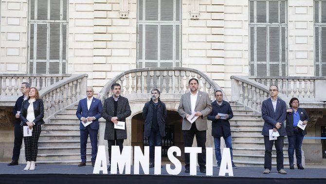 Els nou presos condemnats en el judici del procés en un acte a favor de l'amnistia