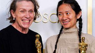 "Frances McDormand i Chloe Zhao, actriu i directora de ""Nomadland"""