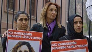 """""""Morir pel divorci"""", la lluita de les dones contra els feminicidis a Turquia"""