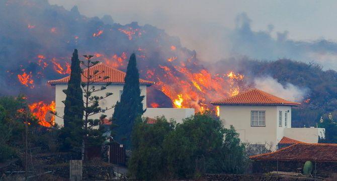 Cases envoltades pel foc