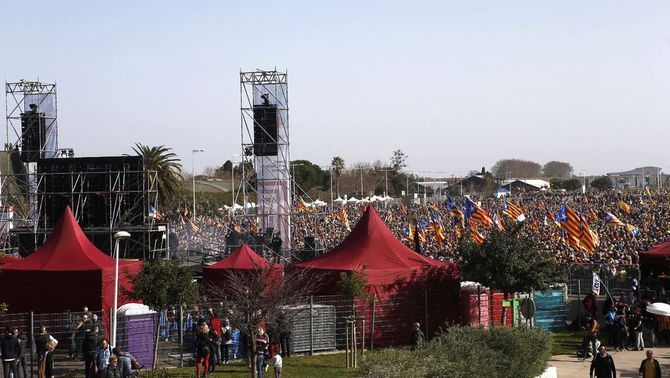 El Parc de les Exposicions de Perpinyà es queda petit en l'acte de Puigdemont