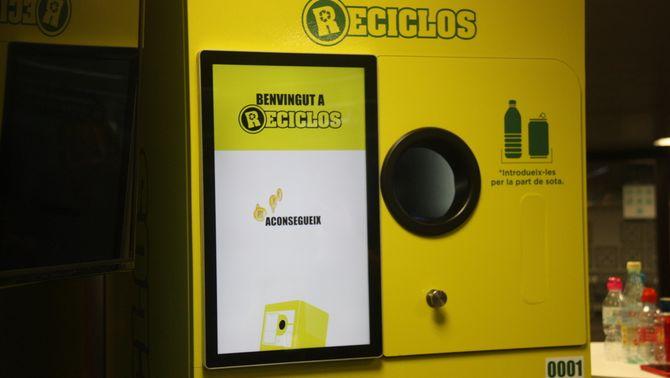 Reciclar per aconseguir bitllets o patinets elèctrics als Ferrocarrils