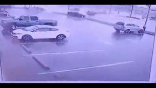 Tornado tomba cotxes