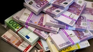 Tornaríeu una cartera perduda plena de diners?