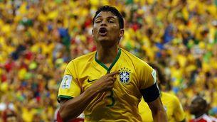 Thiago Silva celebra el primer gol del Brasil. (Foto: Reuters)