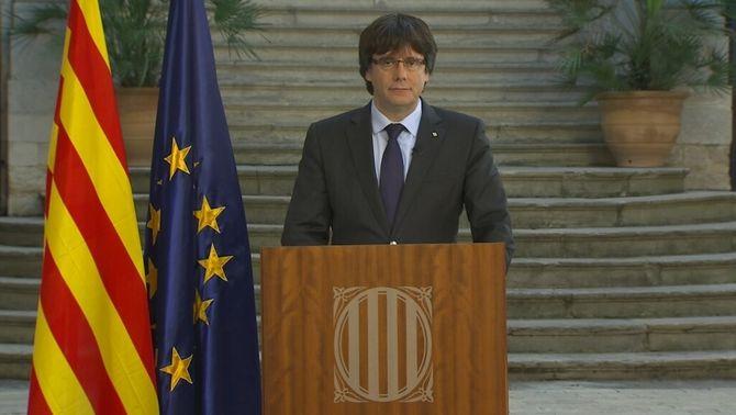 """Puigdemont diu que només el pot cessar el Parlament i demana una """"oposició democràtica"""" al 155"""