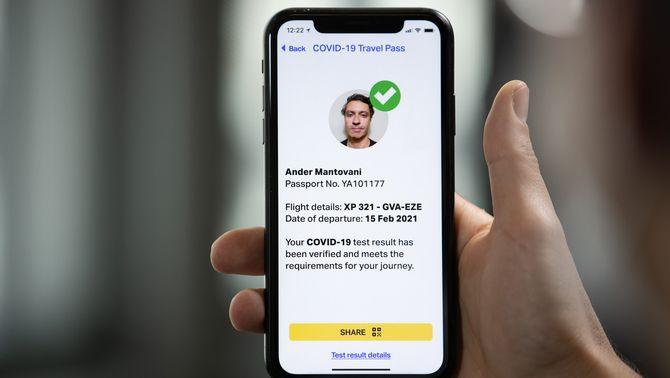 Les aerolínies s'avancen al passaport Covid europeu amb un passi digital per volar