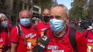Milers de persones arriben d'arreu a la primera gran manifestació en temps de pandèmia