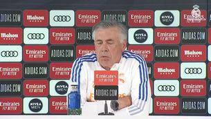 La reacció d'Ancelotti quan li pregunten si se n'alegra de la crisi del Barça