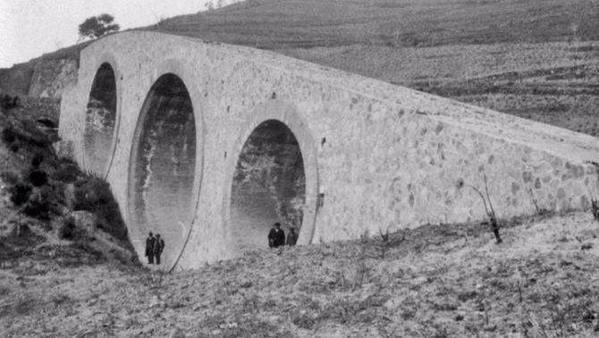 Surt a la llum el pont dels Tres Ulls, una fita històrica a Nou Barris