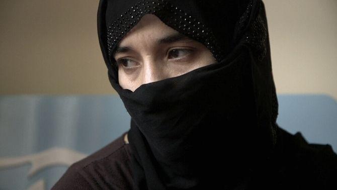 Les dones de molts dels homes assassinats són segrestades i esclavitzades