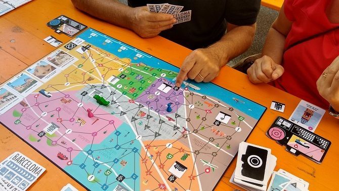 Targetes, carrers i dracs: Zoom in Barcelona, de Cucafera Games