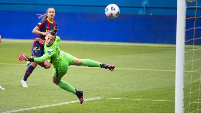 El Barça es classifica per a la final de la Champions després d'eliminar el PSG (2-1) amb doblet de Martens