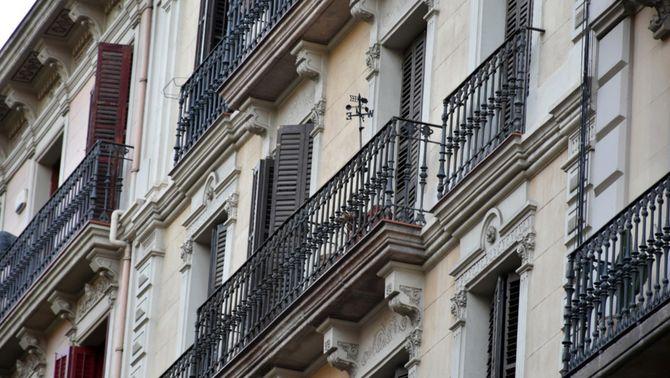 Façana d'un edifici antic de Barcelona (ACN/Adrián Sánchez Berger)