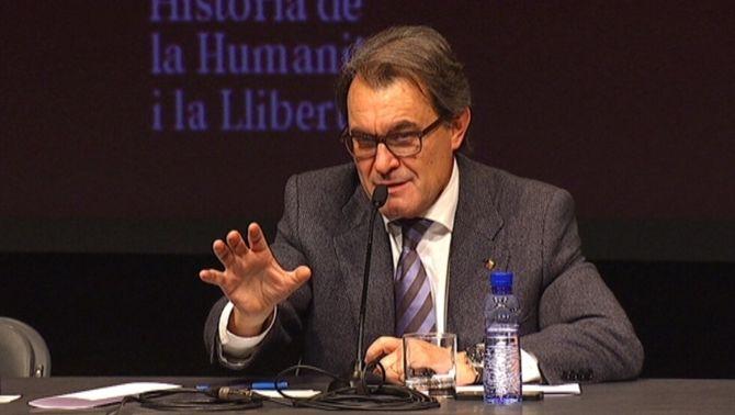 """Mas demana """"ser generosos"""" i posar Catalunya per davant dels """"interessos personals"""""""