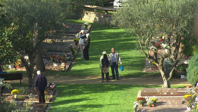 Roques Blanques, un cementiri integrat amb la natura que guanya adeptes