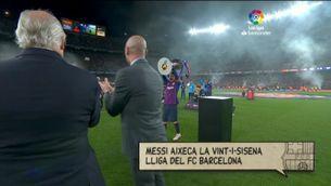 Messi aixeca la Copa de la Lliga