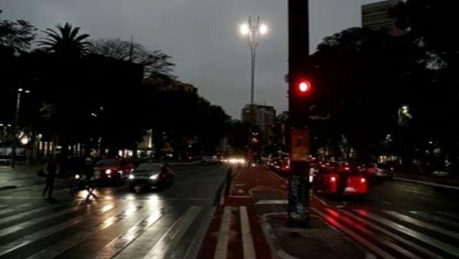 Estranya nit al migdia a Sao Paulo