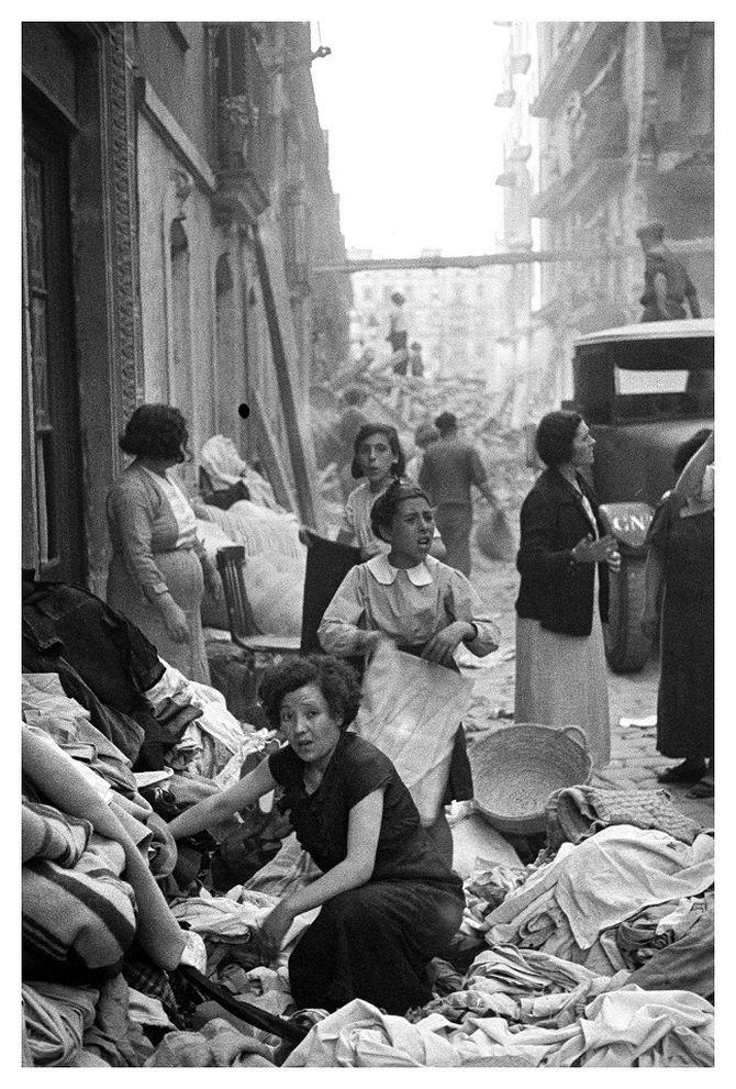 'Caos postbombardeig, Barceloneta'