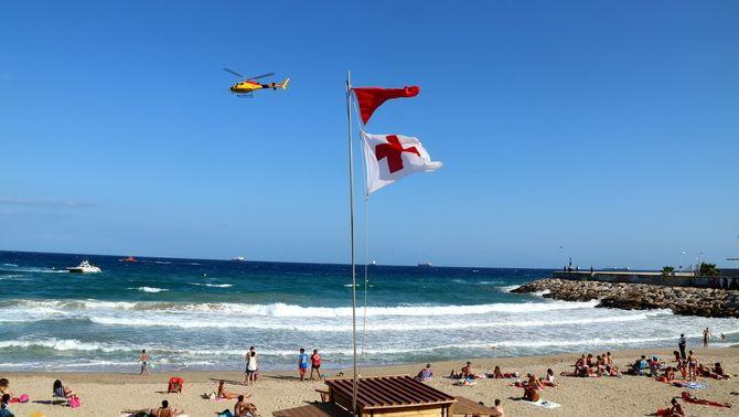 Bandera vermella a platges de Torredembarra, Creixell i Tarragona pel mal estat de la mar