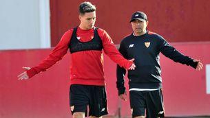 Nasri i Sampaoli, abans d'un entrenament amb el Sevilla (Sevilla FC)