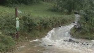 La tromba d'aigua provoca una esllavissada a Setcases