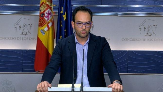 """El PSOE acusa Podem de no buscar l'acord i de """"tancar la portaa un projecte plural"""""""