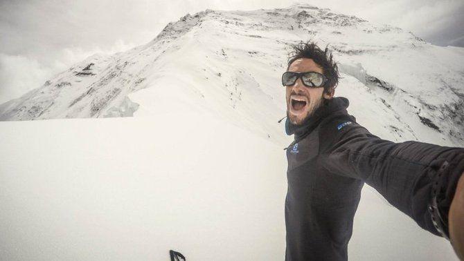 Kilian Jornet fa el cim de l'Everest per segona vegada en una setmana i marca un nou temps de 17 hores