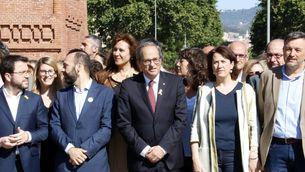 El president Torra, acompanyat de polítics i entitats, el dia que va anar a declarar al TSJC (ACN)