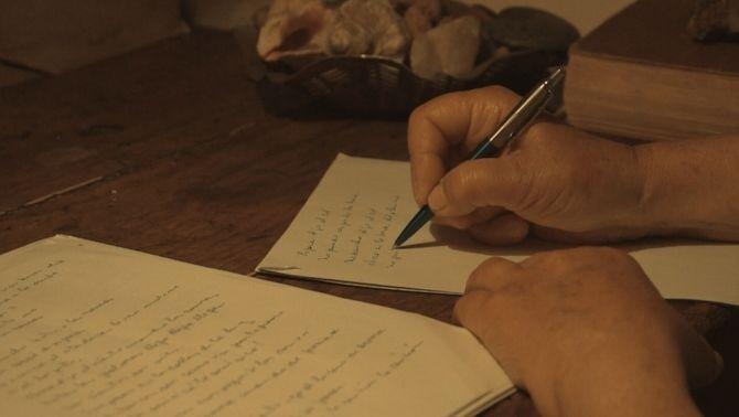 """L'escriptura com a salvació a """"El documental"""", que estrena """"Los versos salvados"""""""