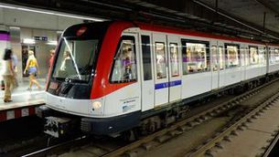 El transport públic recupera usuaris, però encara queda lluny dels nivells prepandèmia