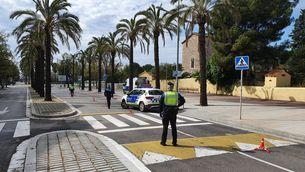 Un control policial a Sitges durant les restriccions del primer estat d'alarma