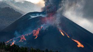 EN DIRECTE   Volcà de La Palma: un nou col·lapse parcial del con obre una gran font de lava