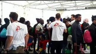 Imatge de:L'arribada dels 630 immigrants a València