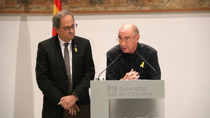 El president de la Generalitat, Quim Torra, i Lluís Llach durant la presentació del Consell assessor per a l'impuls del fòrum cívic i social pe…