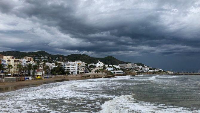 La pluja es retira pel sud per la Diada, però el vent es queda