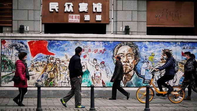 Un any amb Covid: fa 12 mesos que la Xina va alertar l'OMS del nou coronavirus