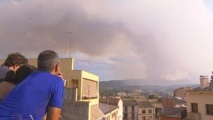 Aixequen el confinament per l'incendi a Sant Martí de Tous, Santa Maria de Miralles i Bellprat